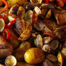 Poêlée terre-mer : palourdes, porc et pommes de terre DÉLICATESSE® !