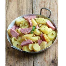 Salade de pommes de terre DÉLICATESSE®, saucisson Lyonnais et pistaches