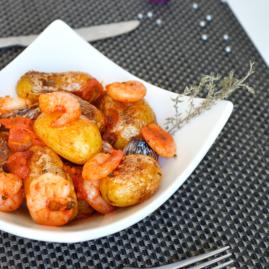 Pommes de terre Délicatesse à l'ail, aux tomates et aux crevettes