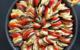 Tian à base de pomme de terre primeur Délicatesse, aubergine, tomates et courgettes, et sa sauce aux deux poivrons